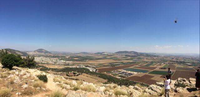 Nazareth-MtPrecipice-panorama